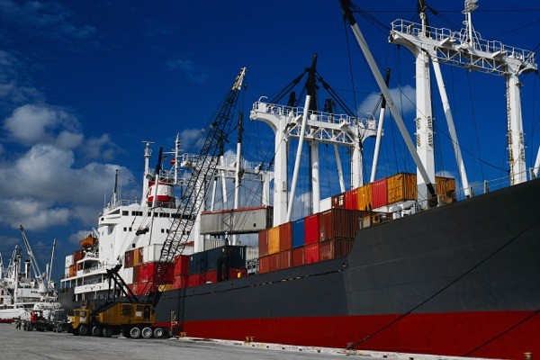 Cosmo Shipping & Freight Services Ltd, Ireland.  Freight Forwarding Commercial, Industrial & Household Shipping.